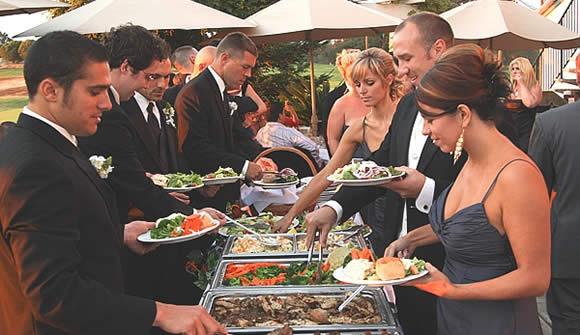 Organizar a Fila na Hora de Servir o Buffet