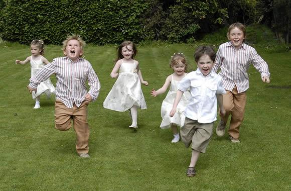 Como Divertir Crianças em Casamentos