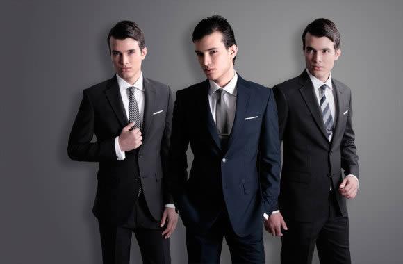 Como os Homens Devem se Vestir para um Casamento
