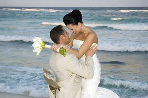 Como Escolher o Vestido de Noiva para Casamento na Praia