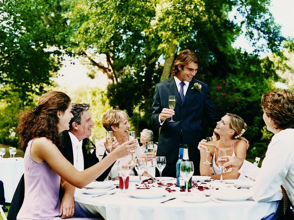 Como se Comportar no Casamento