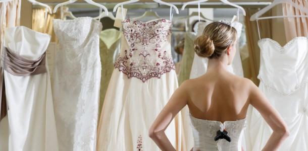 Existem Inúmeras Possibilidades na Hora da Noiva Escolher o Vestido